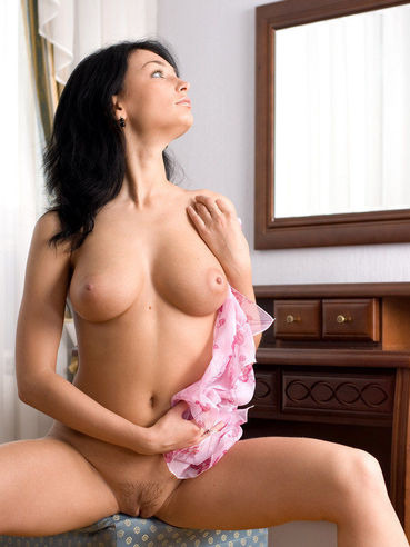 Black Haired Ukrainian Cutie Anna Ap With Perfect C Size Boobs Poses Naked