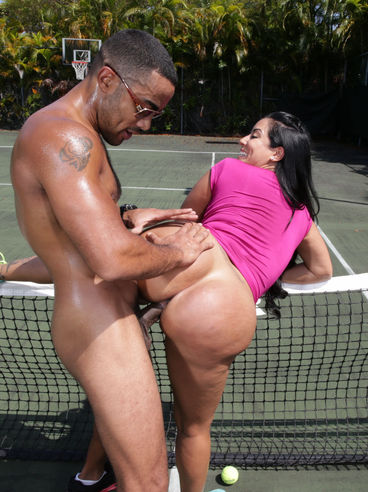 Busty Tennis Player Bares Off Boobs And Pussy And Gets Probed By The Black Cock