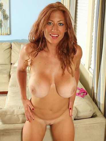 Hot Milf Lucky Benton With Adorable Body Exposes Her Big Knockers And Shaved Pussy