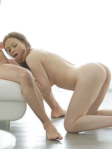 Salacious Chippy Tina Kay Feels So Happy When Sexually Playing With Big Ram Rod