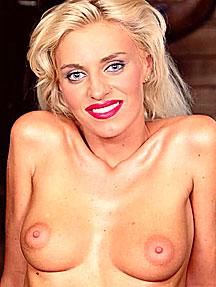 порномодель моника белла