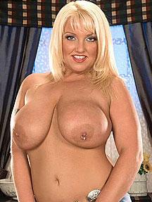 Stephanie stalls nude