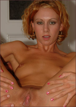 Redhaired vivienne la roche stockings gaping dp
