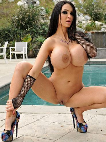 Amy anderssen 40 hh boobs take on huge cock