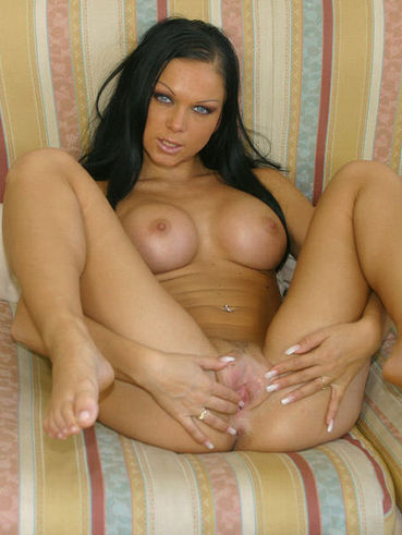 Christina bella freeones