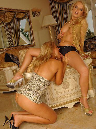 Women masterbating porn