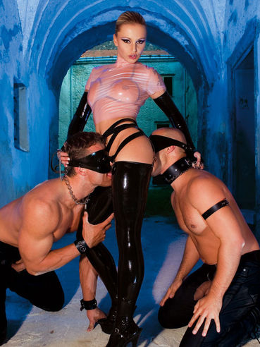 Liliane Tiger In Latex Is At Her Dungeon Egotastic 1