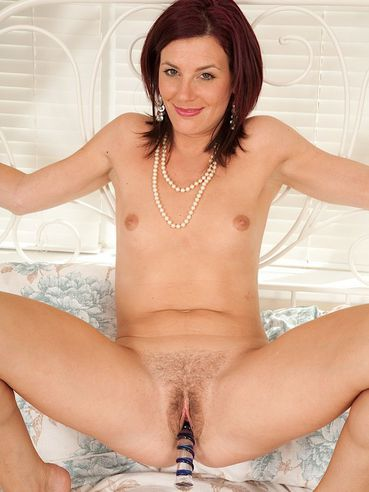 image Sofia matthews plaputs a dildo in her pussy Part 9