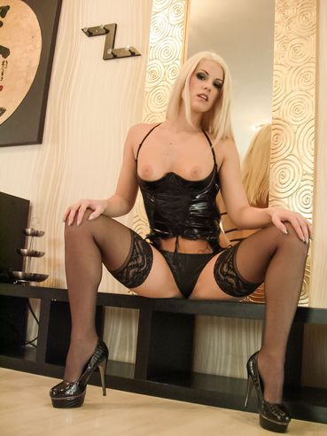 Gorgeous Blonde Blanche Bradburry In Stockings Heels Xhamster Com 1