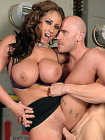 Huge titted kelly madison begs for cock 2