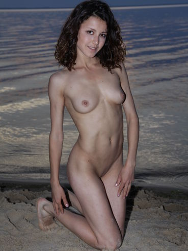 divina a nude