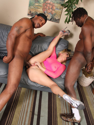Aubrey dey fucks bbc in front of father