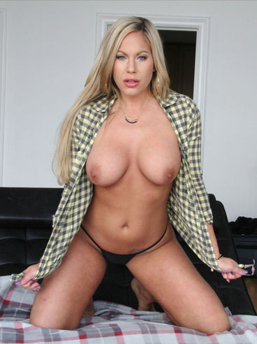 Leaked ass nude vista pussy girls crossed leggs