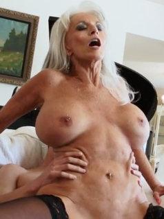 Nackt angelos mom Biker Porn
