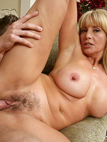 nude Olivia parrish