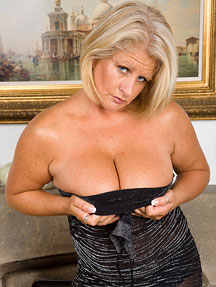 Chubby robyn nude pics foto 871