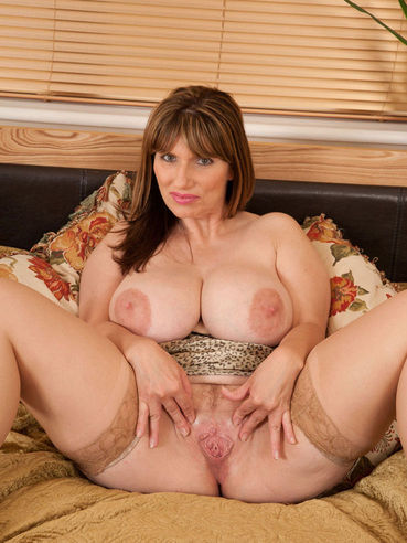 Uk milf porn star josephine james