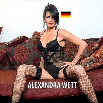 Wett nackt alexandra Alexandra Wett